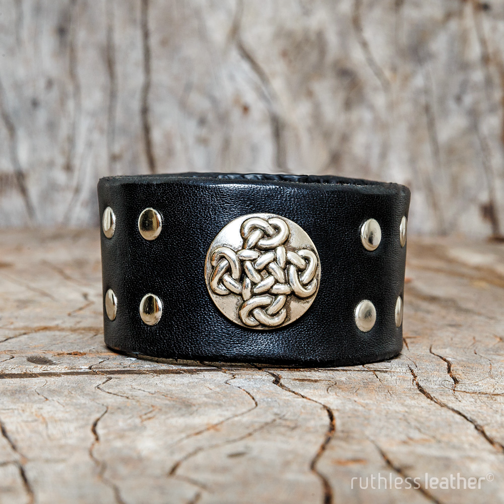 ruthless leather diddley eye cuff
